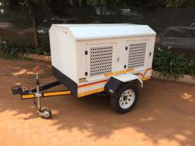 Venter 4 Dog Trailer